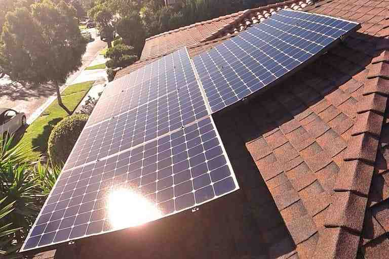 How much does it cost to connect solar to the grid?
