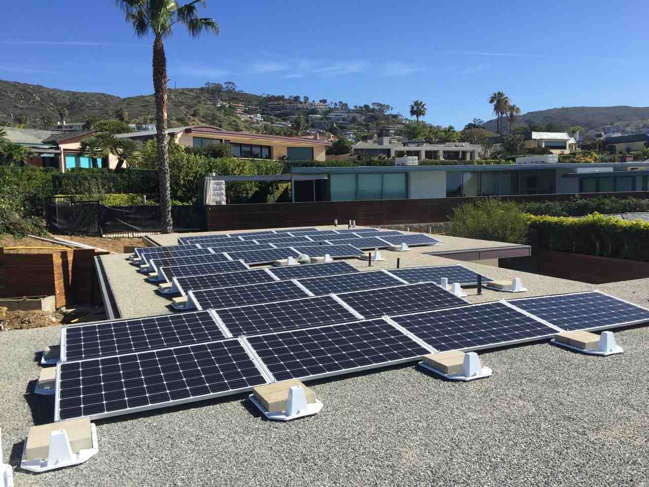 How much does it cost to install 1 MW of solar?