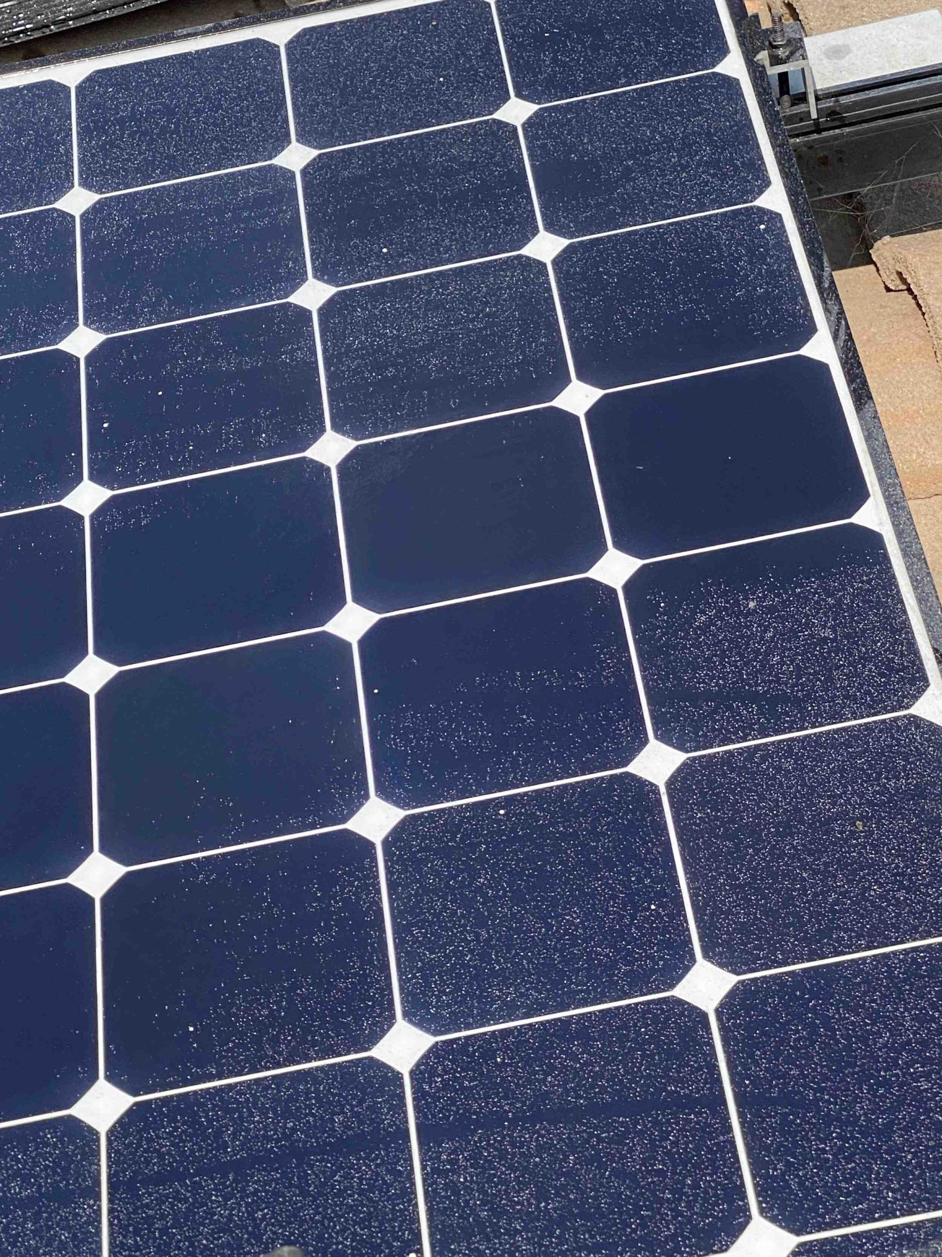 How much does it cost to put 10 solar panels on a roof?