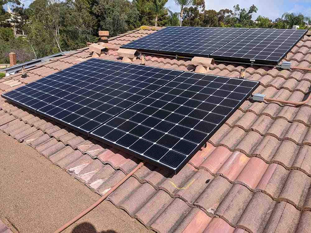 Can a general contractor install solar in California?