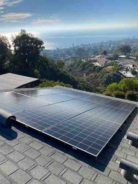 How much do solar installers get paid?