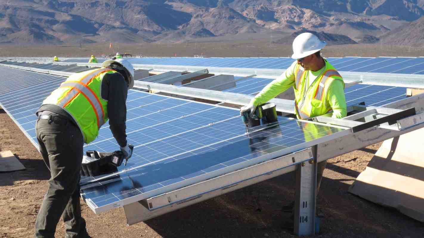 How much does it cost to put solar panels on your roof?