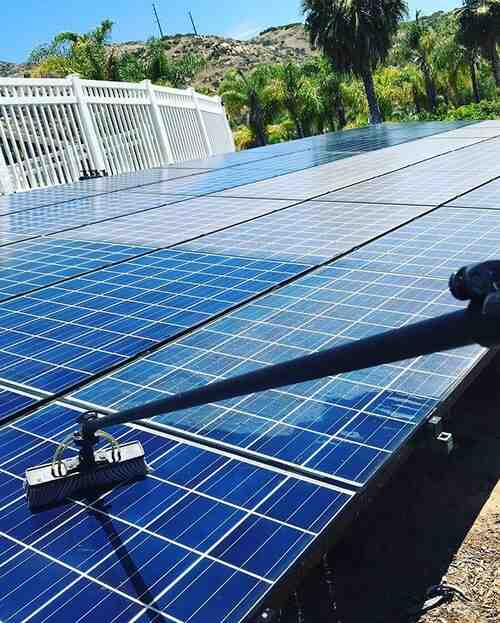 What is a solar tech?