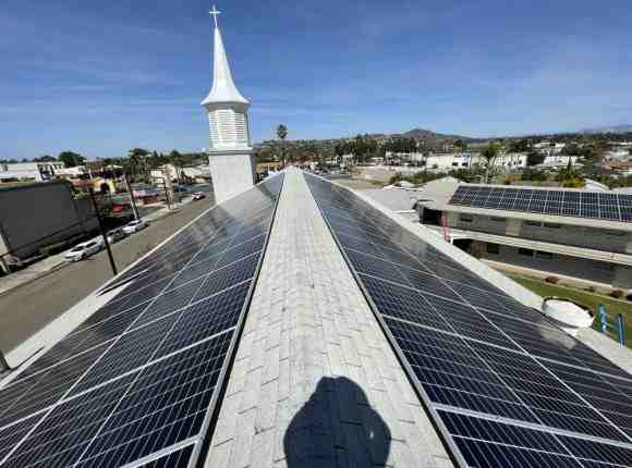 How much does it cost to install solar panels labor?