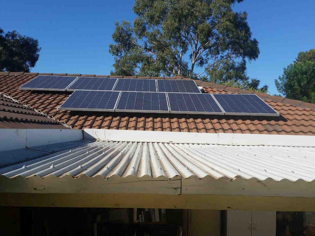 Is Tesla offering free solar panels?